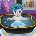 Baby Monster Fun Bathing